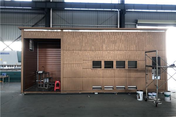 江西宜春活动房垃圾箱改造,水性木纹漆施工现场