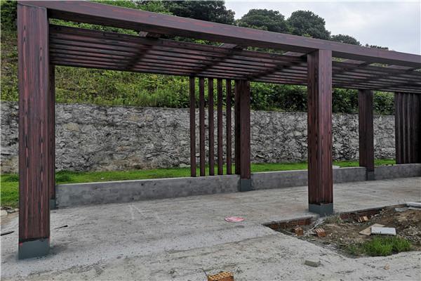 浙江宁波象山钢构廊架木纹漆现场施工